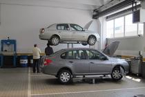 Intr-un service auto autorizat