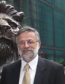 Camil Apostol, economist sef Piraeus Bank