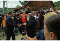 Victor Ponta la manastirea Nicula