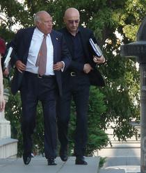 Dan Voiculescu pe treptele Curtii de Apel