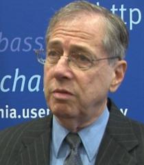 Fostul ambasador SUA Mark Gitenstein