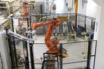 Un robot din uzina Dacia