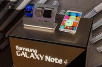 Ceasul Gear S si smartphone-ul Note 4