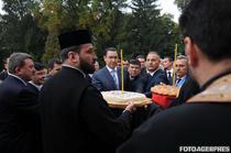 Victor Ponta - pomeni electorale si bani pentru biserici