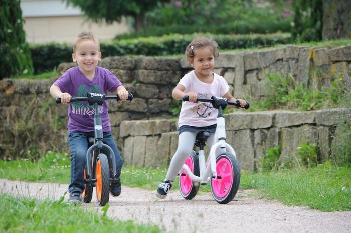 https://media.hotnews.ro/media_server1/image-2014-10-3-18230070-0-berg-balance-bikes.jpg
