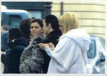 Elena Udrea si Alina Bica (in mijloc, imbracata in negru)
