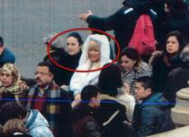 Alina Bica (imbracata in negru) si Elena Udrea