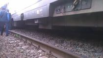 Trenul deraiat din apropiere de Baile Herculane