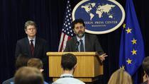 Negociatorii-sefi ai SUA si UE, Dan Mullaney si Igancio Bercero