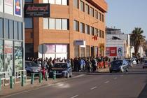 FOTOGALERIE Coada uriasa la vot in Castellon