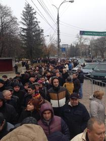 FOTOGALERIE Mii de moldoveni la vot