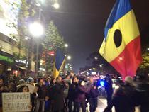 Manifestantii se indreapta spre Guvern