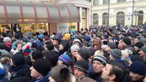 Coada la sectia de votare de la Ambasada R.Moldova la Moscova