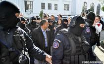6 nov Tudor Pendiuc e condus la sediul DNA Bucuresti pentru audiere