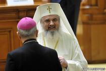 Patriarhul Daniel si arhiepiscopul Ioan Robu