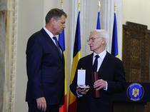 Octav Bjoza, decorat de seful statului