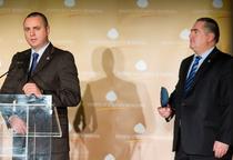 Sorin Sava (stanga) si Florin Cosmoiu (dreapta), SRI
