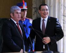 Victor Ponta (dreapta) si Gabriel Oprea (stanga)