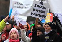 Protest al persoanelor cu credite in franci elvetieni din 2015