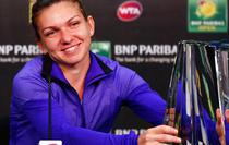 Simona Halep si trofeul de la Indian Wells