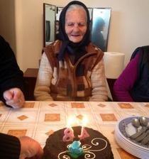 La 84 de ani
