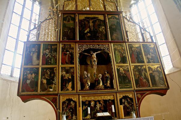 altarul din Biertan