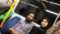 Musulmana hartuita in metrou