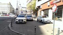 Masini parcate pe Calea Victoriei