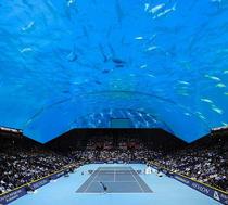 Arena de tenis sub apa