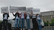 Protest in fata Parlamentului pentru legiferarea CEETAR si demisia presedintelui ASF