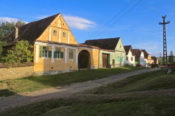 casele vechi sa sesti din Transilvania