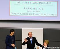 Laura Codruta Kovesi, Traian Basescu si Livia Stanciu, la prezentarea Raportului de activitate a Ministerului Public pe 2011
