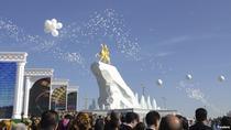 Presedintele Turkmenistanului calare