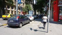 Masini parcate neregulamentar pe trotuarul bd. Elisabeta