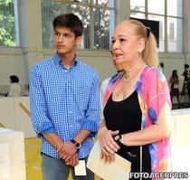 Mihnea Nastase si mama sa, Dana Nastase
