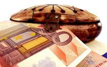 Fonduri scoase din cutie