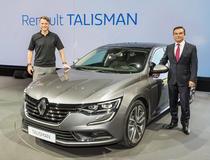 Laurens van den Ackr si Carlos Ghosn alaturi de Renault Talisman