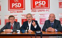 Mircea Govor (st.), Liviu Dragnea si Dorel Coica, primarul Satu Mare (dr.)