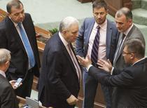Ilie Sarbu, in mijlocul parlamentarilor de la toate partidele