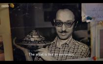 Ionel Talpazan impreuna cu sculptura sa, intr-un documentar BBC