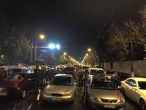 Renato Usatii si sustinatorii sai au blocat un bulevard din centrul Chisinaului