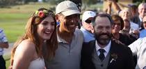 Barack Obama cu tinerii casatoriti pe terenul de golf Torrey Pines din California