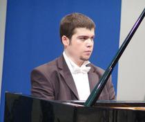 Pianistul Dinu Mihai Stefan