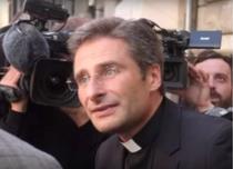 Preot, concediat de Vatican dupa ce a anutat ca este homosexual