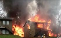 Avion prabusit peste o casa in Ohio