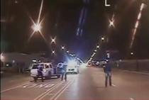 Adolescent de culoare, impuscat de 16 ori de un politist