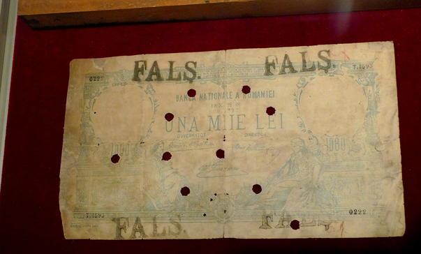 Expozitie de falsuri monetare