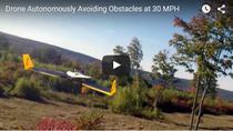Drona care ocoleste in mod automat obstacolele