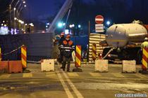 Trafic rutier deviat la intersectia Bd. Eroilor - Bd. Eroilor Sanitari, din cauza unei surpari in carosabil