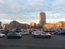 Masinile transportatorilor se aduna in Piata Victoriei pentru protest